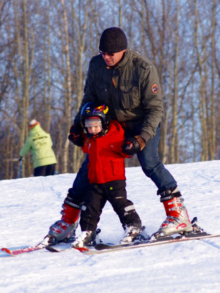 steamboat-ski-town-real-estate-colorado-lifestyle-community-skiing-family